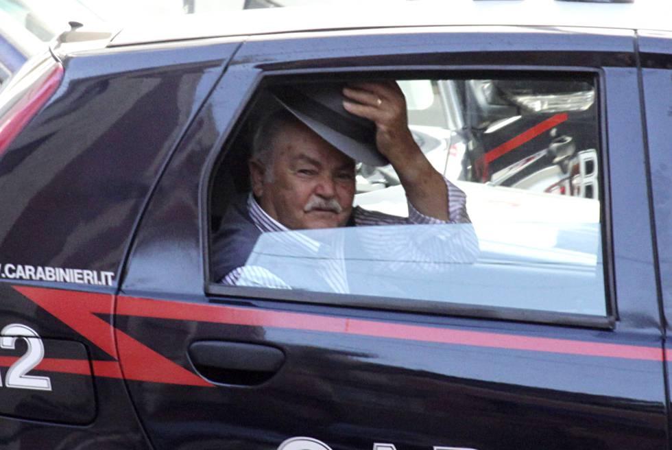 Un detenido durante una operación contra la 'Ndrangheta, en 2010.
