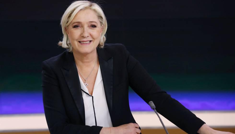 Marine Le Pen este lunes antes de la entrevista en France 2.