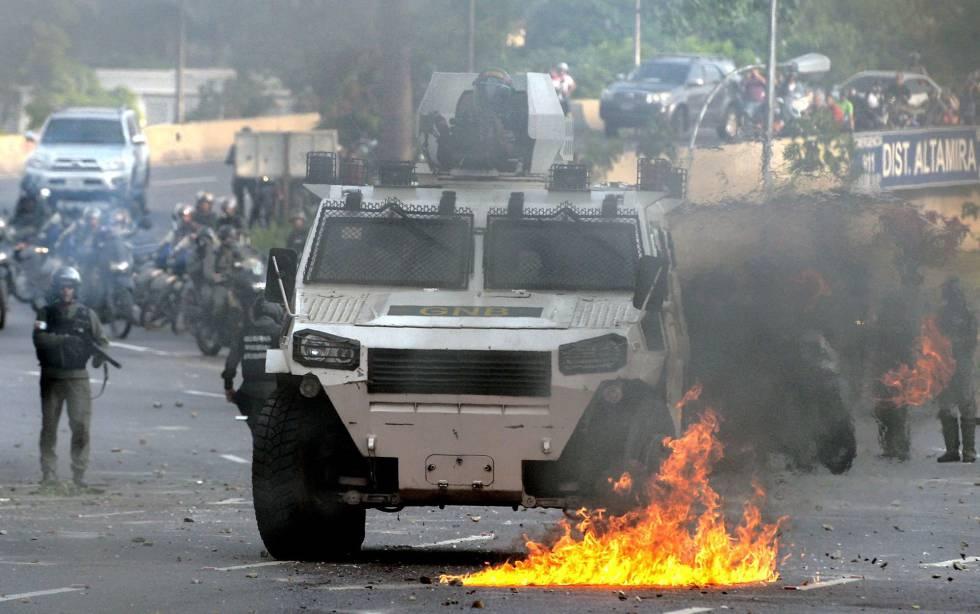 La policía venezolana en una de las manifestaciones de la oposición.