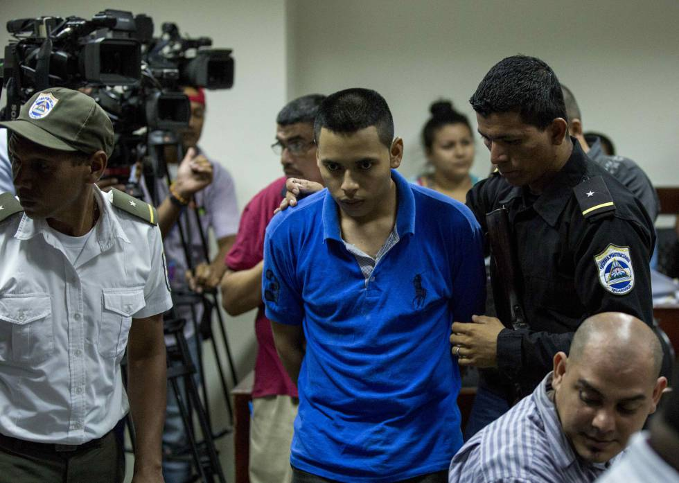 Mujer hoguera Nicaragua