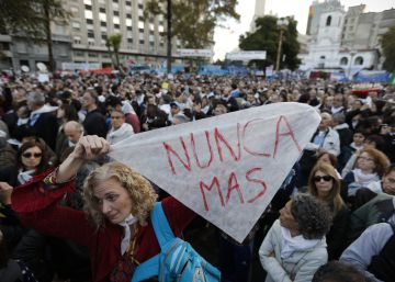 Argentineans march to protest ruling favoring repression-era criminals