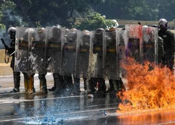 Nuevos choques con la policía provocan al menos una muerte en Caracas