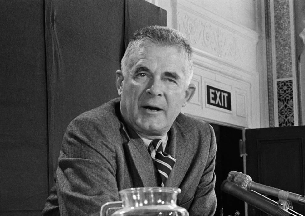 Archibald Cox, en 1973. Ese año fue despedido por Nixon como fiscal especial del caso Watergate