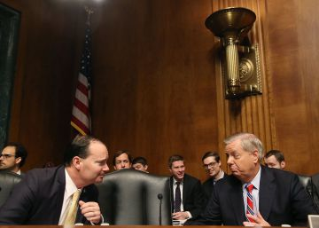 Los senadores Mike Lee y Lindsey Graham.