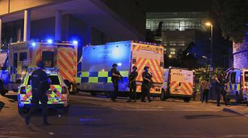 Al menos 22 muertos y más de 50 heridos en un atentado suicida en un concierto de Ariana Grande en Mánchester