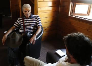 Mireles durante la entrevista