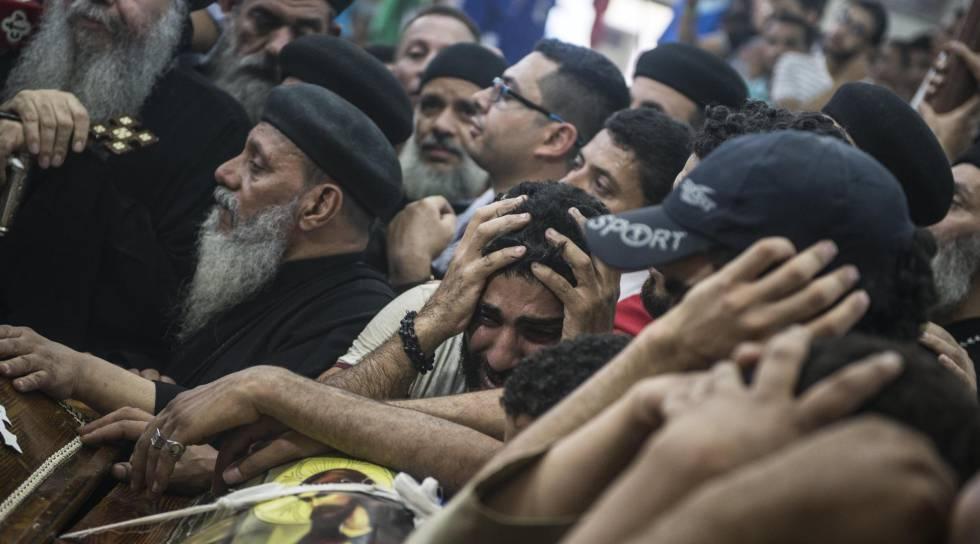 Egipto bombardea Libia en represalia por el atentado contra cristianos coptos