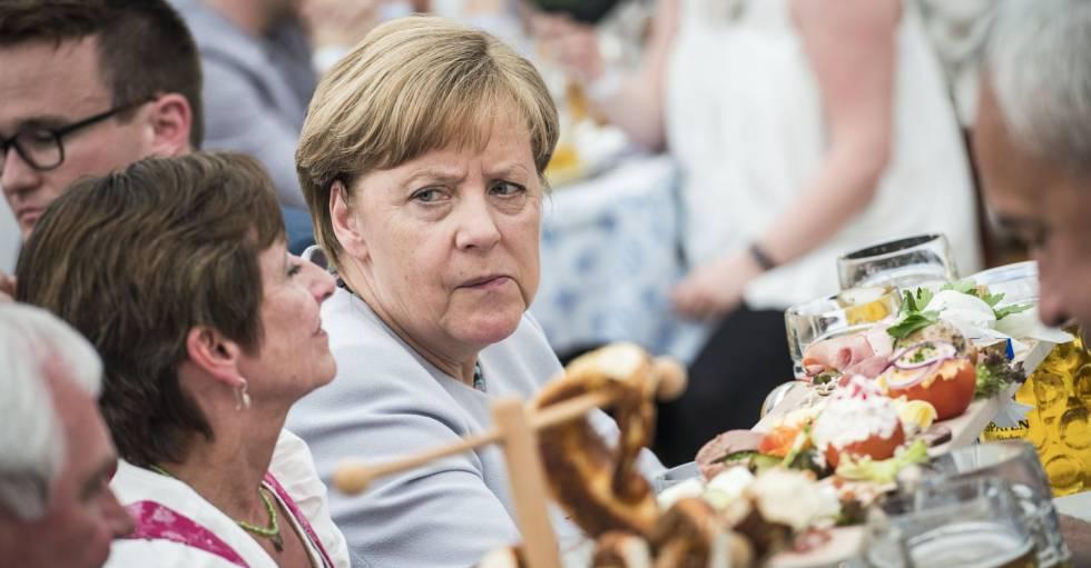 La canciller alemana, Angela Merkel, durante un acto de campaña de la CSU en Múnich, este domingo.