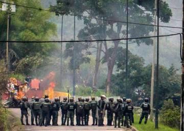 Maduro llama a unas elecciones constituyentes diseñadas a su medida