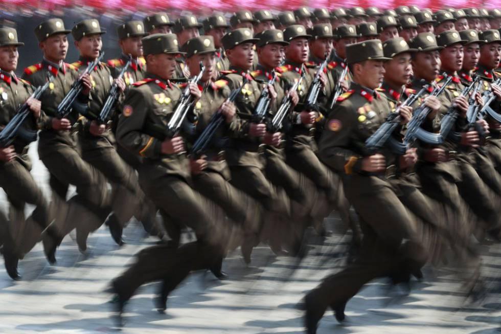 Desfile militar en la capital de Corea del Norte.