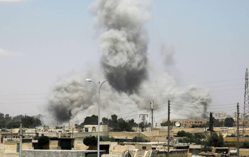 Explosión en Raqa en la ofensiva del domingo de las fuerzas kurdas aliadas de EE UU.