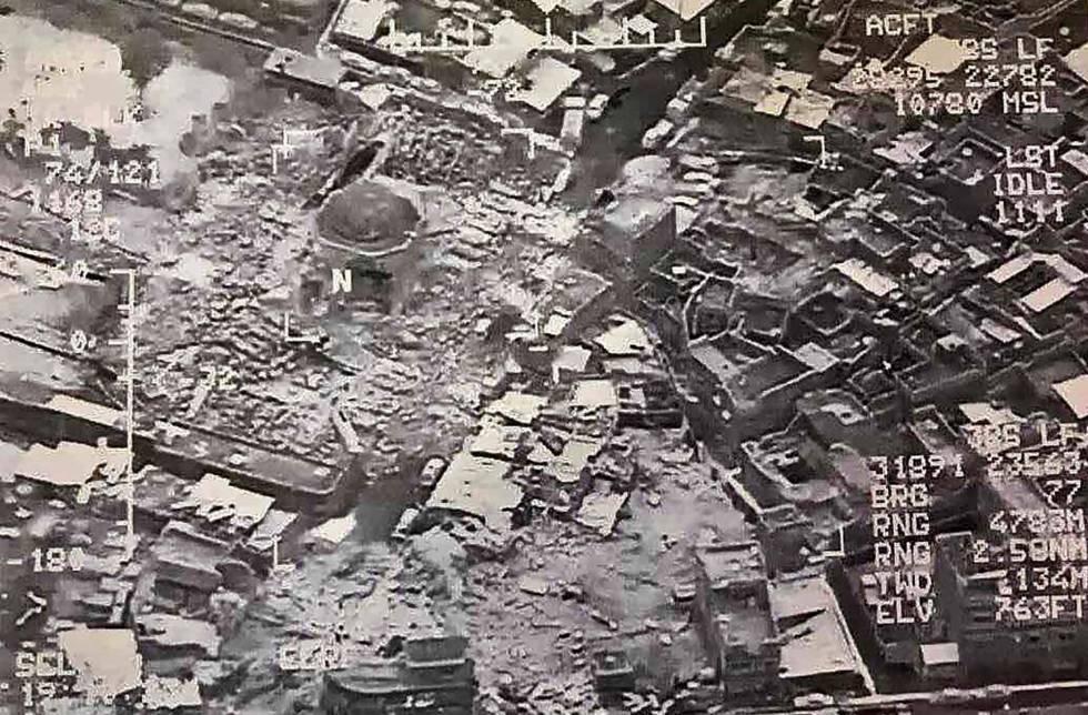 Imagen de satélite distribuida por el Ejército iraquí en la que se muestra la destrucción total de la mezquita.