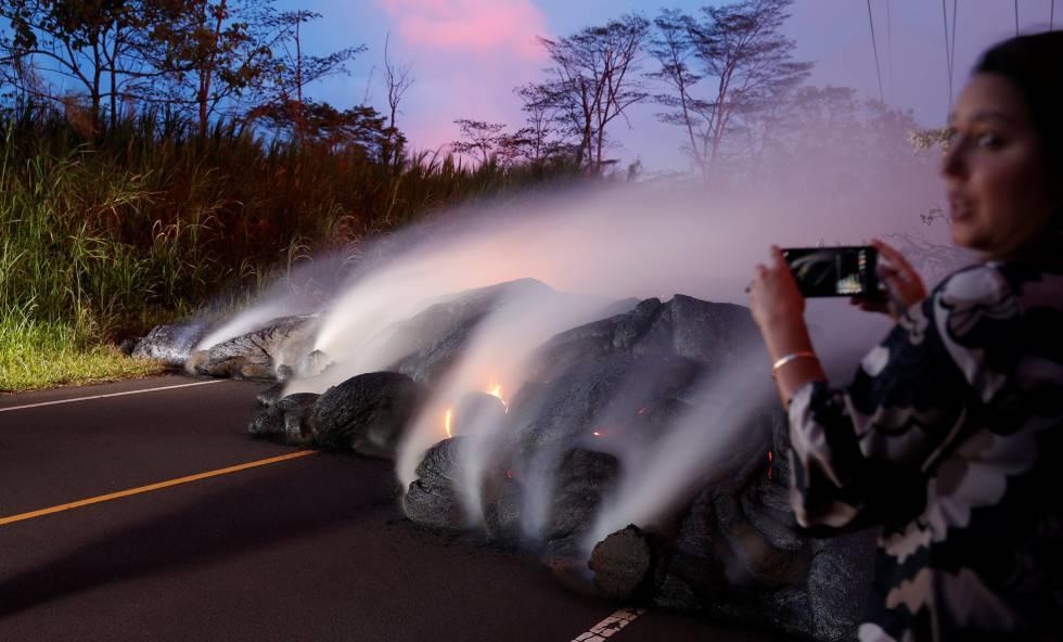 Piden más evacuaciones por el avance de la lava