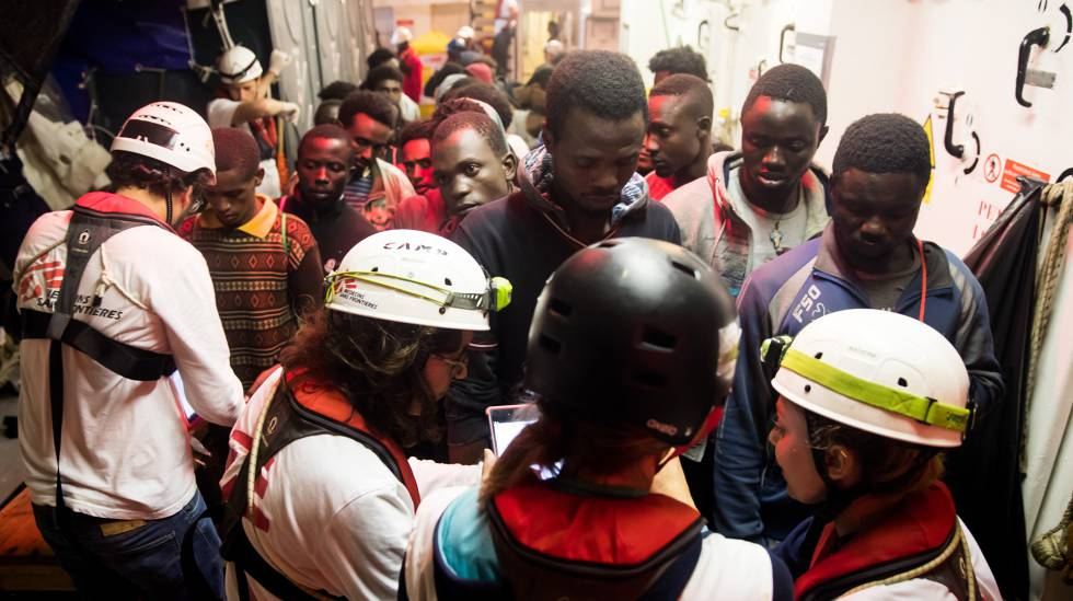 Cruz Roja coordinará acogida en España de los inmigrantes del Aquarius