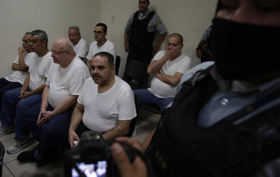 El expresidente Elías Antonio Saca este jueves en un juzgado de El Salvador
