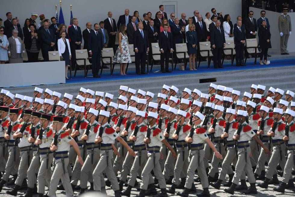 Posponen desfile militar ordenado por Trump hasta el 2019