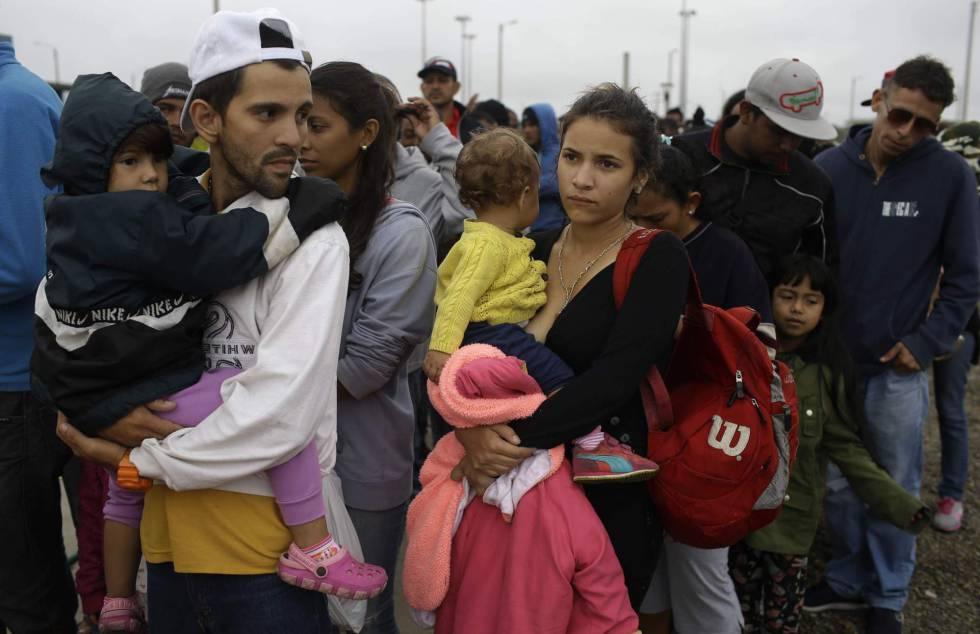 Ciudadanos esperan ser aceptados ante pedido de refugio [FOTOS — Venezolanos en Perú