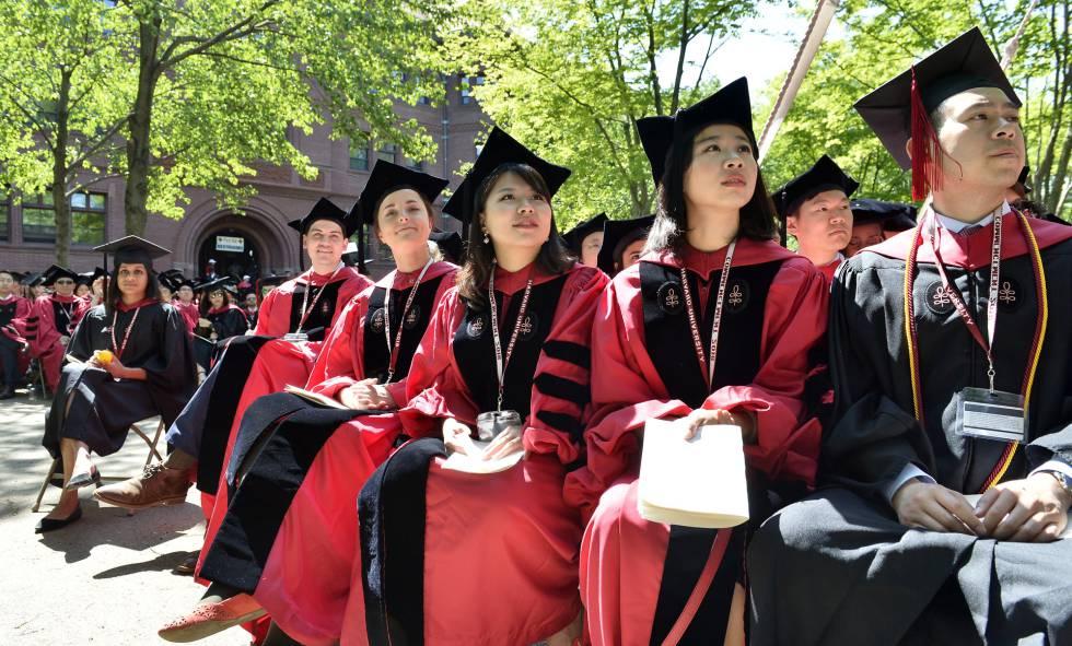 Harvard es demandada por discriminación