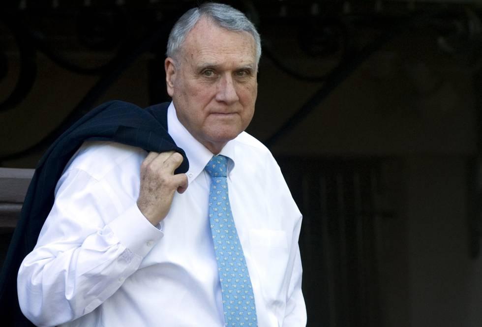 Ex senador de EU sustituirá temporalmente a McCain