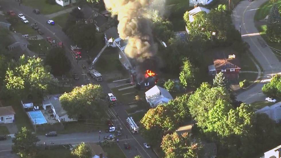 Múltiples explosiones e incendios — Pánico en Massachusetts