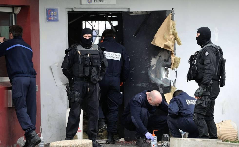 Francia: Detienen al fugitivo más buscado del país que huyó en helicóptero