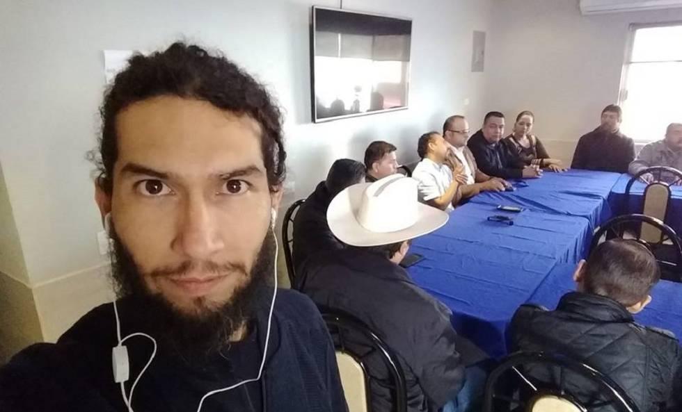 Una fotografía del periodista Rafael Murúa en su perfil de Facebook.