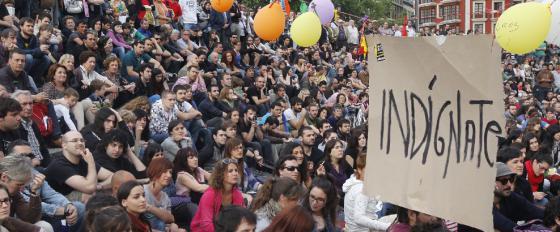Concentración de jóvenes en Bilbao, en la Plaza de Arriaga, en apoyo a la acampada de Sol.