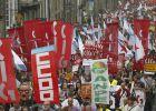 Más de 7.000 profesores protestan en Galicia contra los recortes