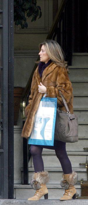 Rosalía Iglesias Villar, esposa del extesorero del PP, Luis Bárcenas, saliendo de su casa de Madrid.
