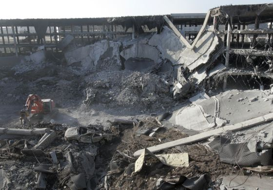 El aparcamiento de la T-4, tras el atentado de ETA que rompió la tregua de 2006.