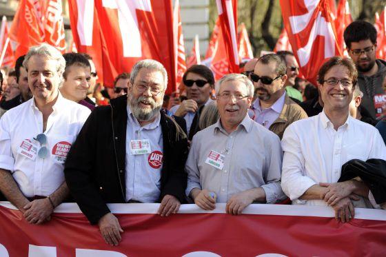 Méndez y Toxo, en el centro, en la cabecera de la manifestación de Madrid