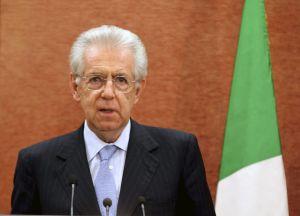 El primer ministro italiano, Mario Monti, durante su visita oficial a Egipto.
