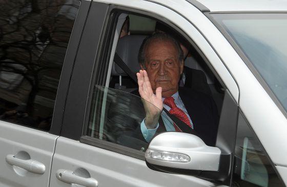 El Rey abandona el hospital, el pasado miércoles.