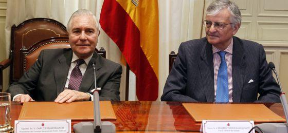 Carlos Dívar y Eduardo Torres-Dulce, en el Consejo del Poder Judicial, en febrero pasado.