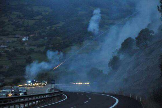 Incidentes en la autopista, a 20 kilómetros de Pola de Lena.