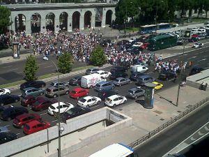 Cortes de tráfico en la Castellana, a la altura de Nuevos Ministerios  Foto: @LosPajarosPican