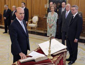Ollero jura el cargo de magistrado del Constitucional, el pasado 23 de julio.