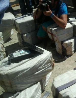 Los fardos de cocaína decomisados frente a la costa de Cádiz.