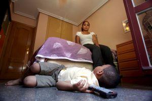 Xiomara Sena y su hijo de cinco años.