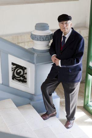José Manuel Romay.