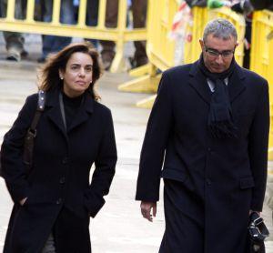 Diego Torres y su esposa, Ana María Tejeiro, salen de los juzgados en febrero de 2012.