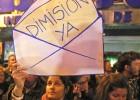 Unas mil personas se concentran ante la sede del PP en Madrid
