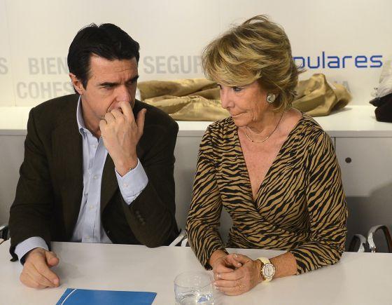 Esperanza Aguirre junto al ministro José Manuel Soria.