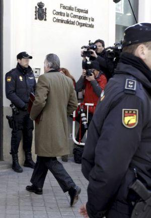El extesorero del PP Luis Bárcenas llega a la sede de la Fiscalía Anticorrupción para declarar sobre la supuesta contabilidad B del PP