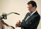 """Rajoy se declara """"incapaz"""" de leer sus propias notas ante los campeones de balonmano"""