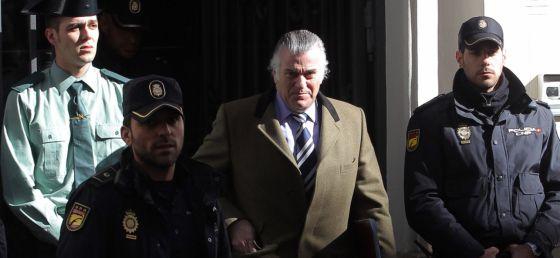 El extesorero del PP Luis Bárcenas, llega a la fiscalía anticorrupción para declarar.
