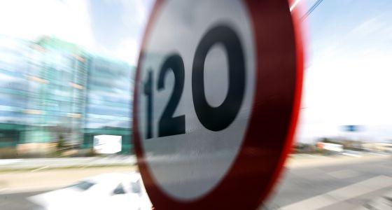 Tráfico aumentará la velocidad a 130 en autovías y autopistas seguras