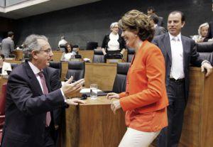 Yolanda Barcina y Miguel Sanz, en junio de 2011.