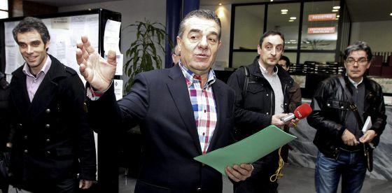 Álvarez, exalcalde de Ponferrada, condenado por acoso sexual en 2002.