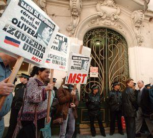 Escrache en Buenos Aires (Argentina), en septiembre de 2000.